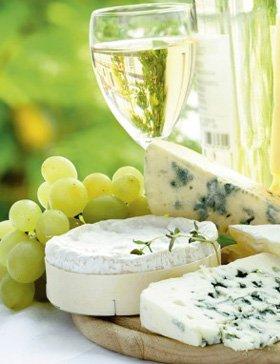 Weißwein und Käse