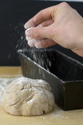 Normale Backformen sind auch zum Brot backen geeignet