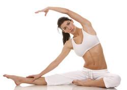 Sportliche Frau in Yogapose