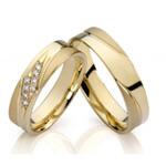 Goldener Ring mit Steinchen