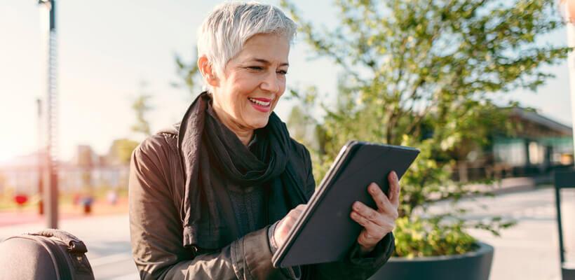 Großes Tablet als Reisebegleiter