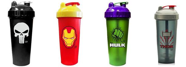 Proteinshaker mit Superhelden-Motiven von Punisher, Ironman, Hulk und Thor