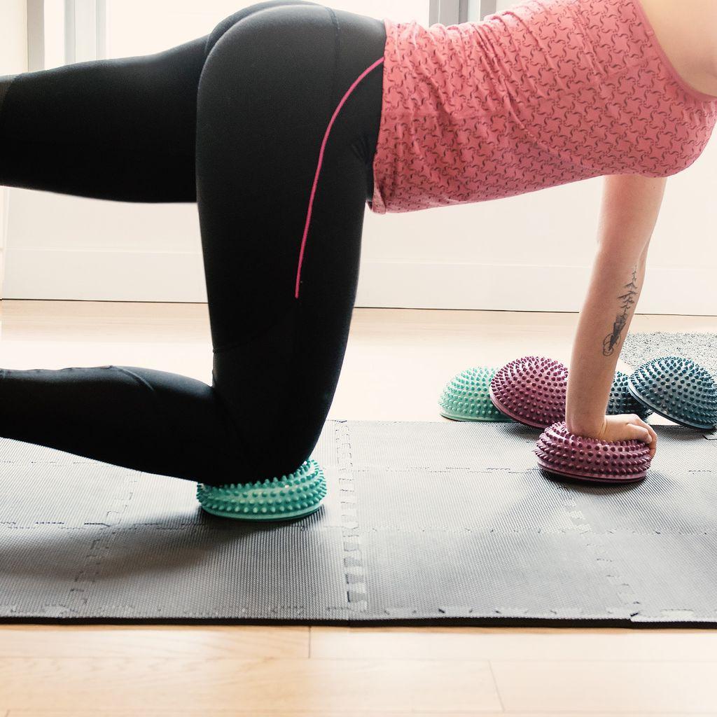 Balance Igel Fitness Halbkugel mit Noppen 2x Balance-Igel Sport Kissen