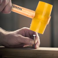 52000 Transparenter gelber Gummihammer Dual Face Fliesenhammer mit Holzgriff