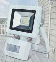 Unitec LED Fluter mit Bewegungsmelder 10 Watt IP44 Scheinwerfer Weiß