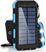 Outdoor Solar Powerbank 10000 mAh - mit Solarpanel und Taschenlampenfunktion, Karabiner und eingebauter Kompass