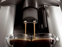 DeLonghi ESAM3200S, Silber, 10 kg, cappuccino, Kaffee, 220 - 240 V, 50 - 60 Hz, 1450 W