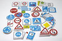 Wissner Verkehrszeichensatz, 64 magnethaftende Teile aus MAG-Pap° 110510.135