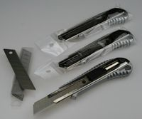 3x Alu Cuttermesser +10 Abbrechklingen 18mm Profi Teppichmesser Cutter