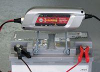 DINO KRAFTPAKET Batterieladegerät Batterie Ladegerät 12V 5A 8-Stufen 1 Stk