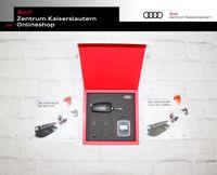 Audi Accessories Box, mit USB Memory Key in schwarz, SD-Karte mit 16 GB, Ventilkappen-Set für Aluminiumventile, hochwetige Geschenkbox