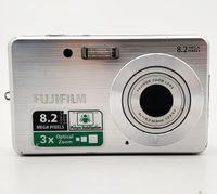 """Fujifilm FinePix J10 Digitalkamera silber (8.2 Megapixel, 2.5"""" LCD)"""