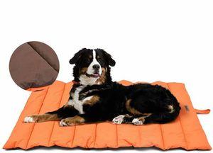 Wasserdichte Hundematte für Outdoor , Waschbares Hundebett, Antistatik, Hygienisch, Faltbar, Große Reisedecke für Haustier 110x68 cm