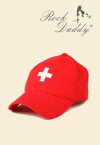 Rote Uni Cap mit Eingesticktem Schweizer Kreuz
