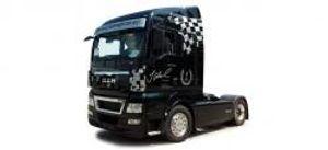 Herpa 110563 MAN TGX XLX Zugmaschine Sonderedition Jochen Hahn (PC)
