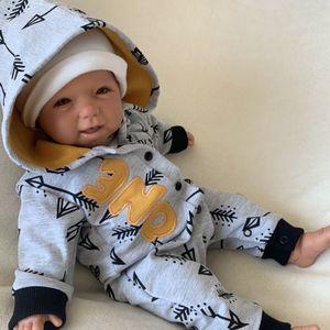 Baby Jungen Strampler Overall Jumpsuit mit Kapuze Gr. 80 grau ocker