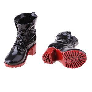 1 Paar weibliche Stiefel Schwarz 4x3.8cm
