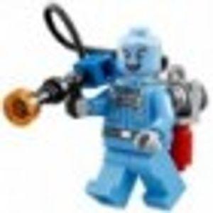 LEGO 30603 Batman Classic TV Series - Mr. Freeze Polybag  LEGO Anzahl Anleitungen: 1, Anzahl Minifiguren: 1, Anzahl Teile: 12, Thema: LEGO Super Heroes, Altersberatung: 6+, Veröffentlicht in: 2016, Zahl: 30603-1, UPC: 673419251297, Gewicht: 0.011 KG, Verpackungsmaße (lxbxh): 14 x 13.5 x 0.8 cm, EAN: 5702015608787