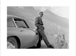 James Bond 007 Poster Kunstdruck - Sean Connery Mit Aston Martin (60 x 80 cm)