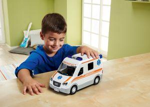 Revell Ambulance - Auto-Modellbausatz; 806