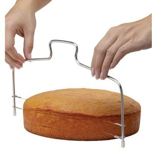 Tortenbodenschneider 32 cm Pâtisserie höhenverstellbarer Schneidedraht hochwertige Verarbeitung aus rostfreiem Edelstahl Gummifüße