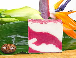 Naturseife Himbeerwolke 100g, Handseife, natürlich basische Seife