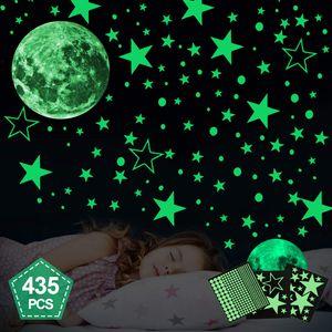 Leuchtsticker Wandtattoo 435 Stück Sternenhimmel Leuchtsterne selbstklebend,Mond Wanddeko Aufkleber,fluoreszierende Leuchtsterne Punkten für Kinderzimmer,Baby, Kinder oder Schlafzimmer