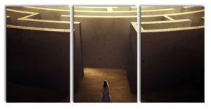 Frau vor großem Labyrinth, XXL Leinwandbild in Übergröße 240x120cm Gesamtmaß 3 teilig / Wandbild / Kunstdruck