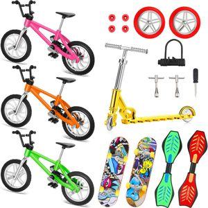 18x Mini Fingerspielzeug Set Finger Skateboard Finger Fahrrad Roller Tiny Rocking Board mit Ersatz Räder und Werkzeuge