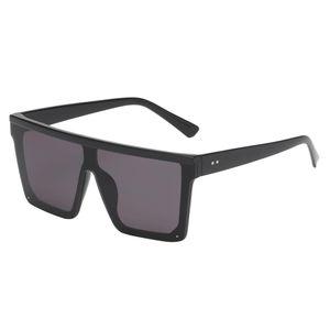 1 x Sonnenbrille Farbe Schwarzer Rahmen Schwarze Linse