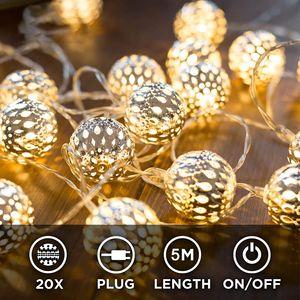 Marokkanische LED Lichterkette – 5 Meter | Mit Netzstecker NICHT batterie-betrieben | 40 LEDs warm-weiß | Kugeln Orientalisch | Deko Silber – kein lästiges austauschen der Batterien