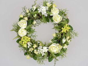 Formano Kranz grün mit weißen Rosen 36 cm Dekoration