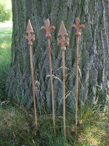 4 Stück Rankstäbe Rankhilfe verzierte Spitze Eisen Rost 4 x 60 cm
