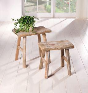 Holz-Hocker Rustikal, 2er Set, Maße 30 x 18 x 28 cm, 35 x 22 x 35 cm