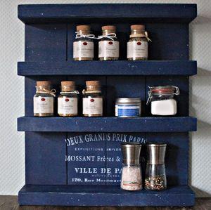 Gewürzregal aus Holz - für die Wand oder stehend - Blau - 4 Stellflächen - 57 x 50 x 12 cm - Massivholz