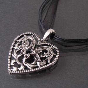 Trachtenkette Dirndl Kette Tracht Herz Halsband schwarz 44-49cm K1200A
