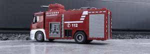 AMEWI Mercedes Benz Feuerwehr 1:18 RTR Löschfahrzeug