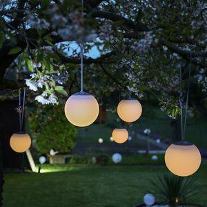 LED Solar Kugelleuchte - D: 20cm - warmweiss - outdoor - bis zu 8h Licht - mit Gummiaufhängung