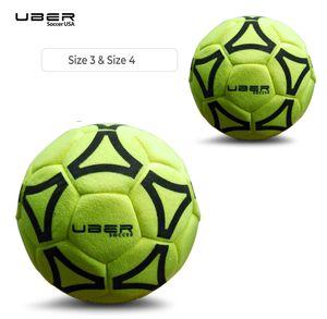 2x Indoor Filz Fußball Größe 3 und 4 - Filz außen - Robuste Konstruktion 1 Größe 3 und 1 Größe 4.