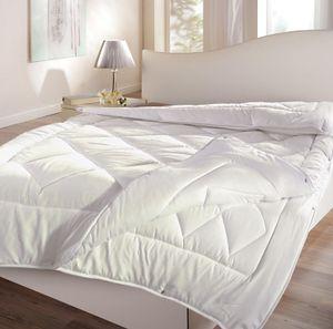 4-Jahreszeiten Steppdecke Comfort 3in1 135 x 200 cm  – Premium Ganzjahres Steppbett für Winter und Sommer – kuschelweiche Microfaser Bettdecke für optimalen Schlafkomfort
