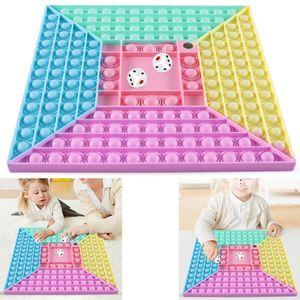 Melario Push It Pop Fidget Bubble Rainbow Pop Trend Spielzeug Toy Anti Stress TikTok 2 Würfel 4 Menschen Brettspiele 4 Leuten