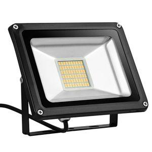 30W LED Strahler 2400LM Außenleuchte LED Fluter Außenstrahler Flutlicht IP65 Flutlichtstrahler Scheinwerfer Warmweiß Licht für Garten, Garage, Sportplatz, Hotel, 1 Stück