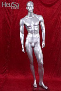 Silberfarbene Schaufensterpuppe männlich