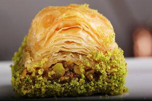 GULLUOGLU Baklava mit doppelter Pistazien - with double pistachios
