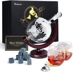 APOKKO Whiskeyglas, kugelförmige Whisky-Karaffe Globus Segelschiff 850 ml mit Eisstein, 2 Whiskygläser, Geschenke für Männer und Frauen
