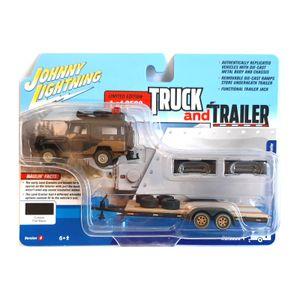 Johnny Lightning JLBT013B-1 Toyota Land Cruiser mit Anhänger schwarz - Truck & Trailer Maßstab 1:64