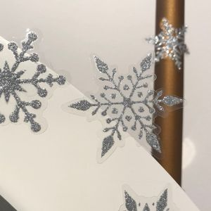 Oblique Unique 24 Schneeflocken Schnee Sticker Aufkleber Winter Deko Weihnachtsdeko selbstklebend - silber