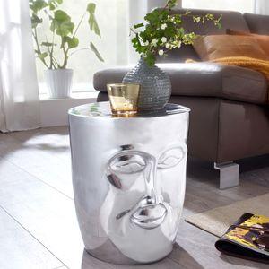 WOHNLING Beistelltisch FACE 35x35x39 cm Aluminium Couchtisch Silber orientalisch | Sofatisch mit Gesicht aus Metall | Designer Ablagetisch modern | Kleiner Anstelltisch schmal