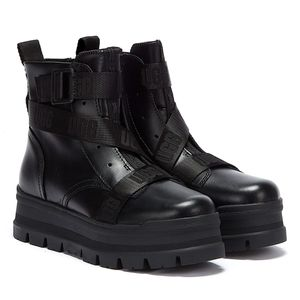 UGG Boots - Platform Bootie - Sid