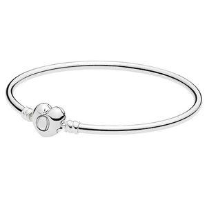 Pandora 596268 Moments Armreif mit Herzverschluss 17 cm